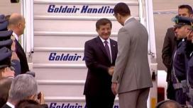 Başbakan Davutoğlu Yunanistan'da askeri törenle karşılandı