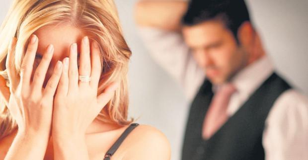 Aldatılan ünlü bir tekstil firmasında CEO olarak çalışan eş zina gerekçesiyle boşandı